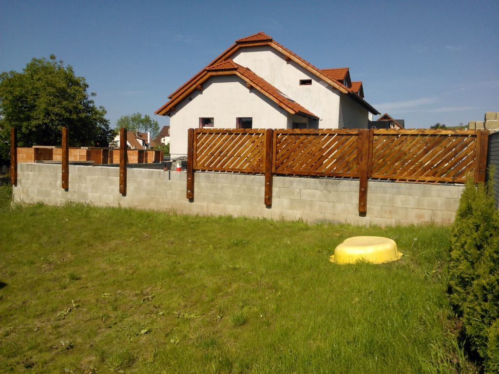 zahradni-stavby-plot-004