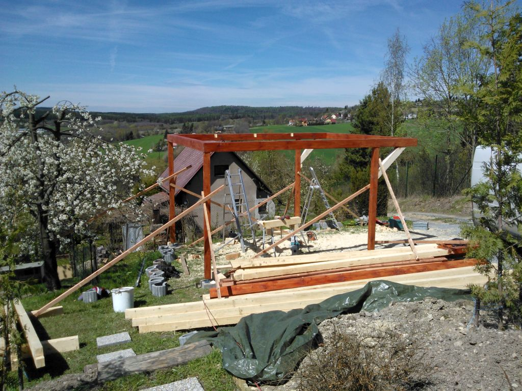 zahradni-stavby-stani-pro-auta-003